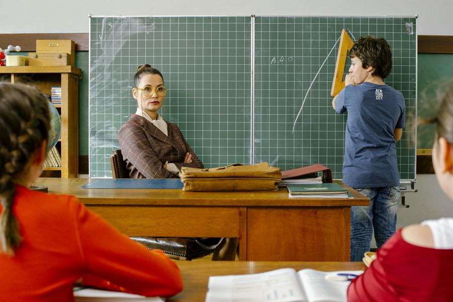 Hilfe, ich hab meine Lehrerin geschrumpft - Film 2015